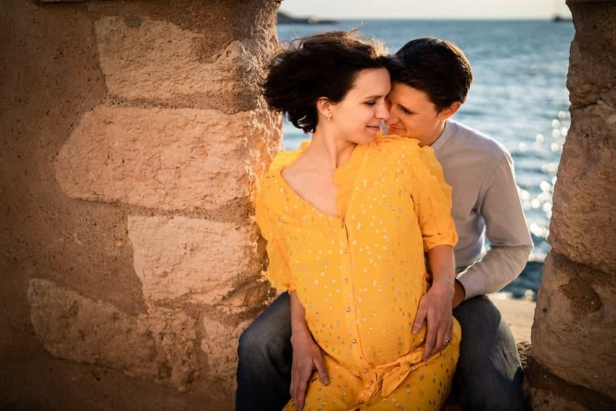 photo de couple grossesse marseille mucem