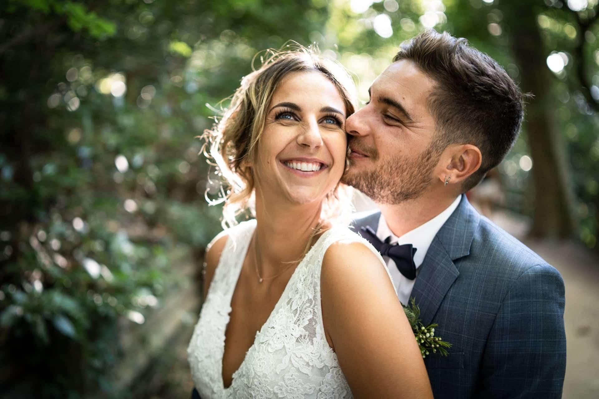 Photographe à Marseille de mariage de mariés amoureux
