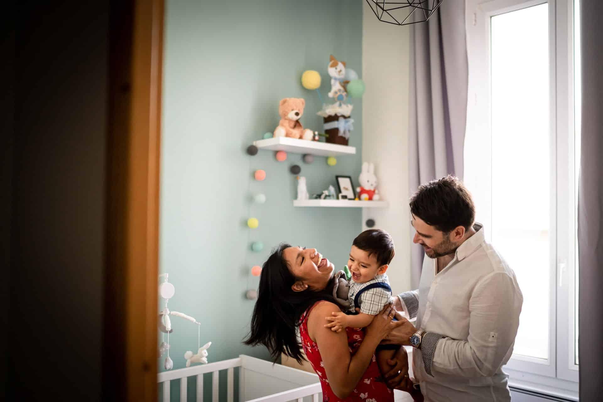 Photographe de famille heureuse à Marseille