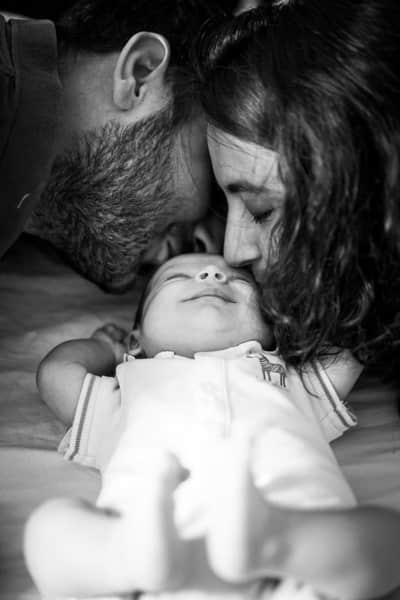 Photo de bébé qui sourit à Marseille