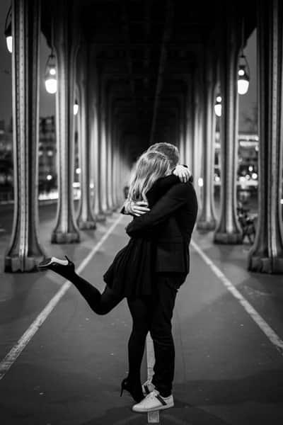 Photo couple Paris pont Bir Hakeim