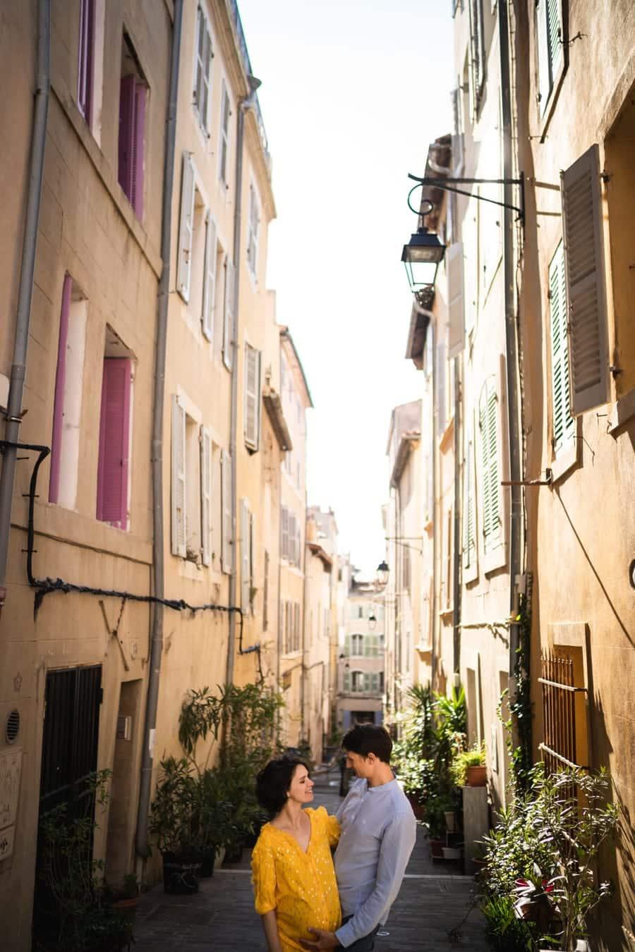 photographe pro dans les rues du panier à marseille
