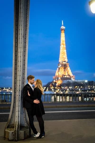 photos de couple sous le pont bir hakeim