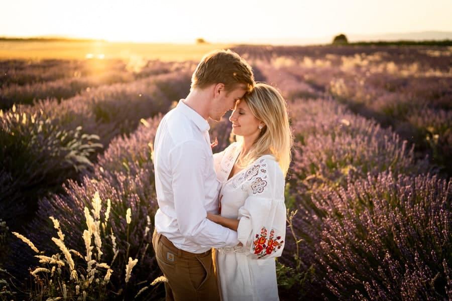 photographe de couple à Valensole