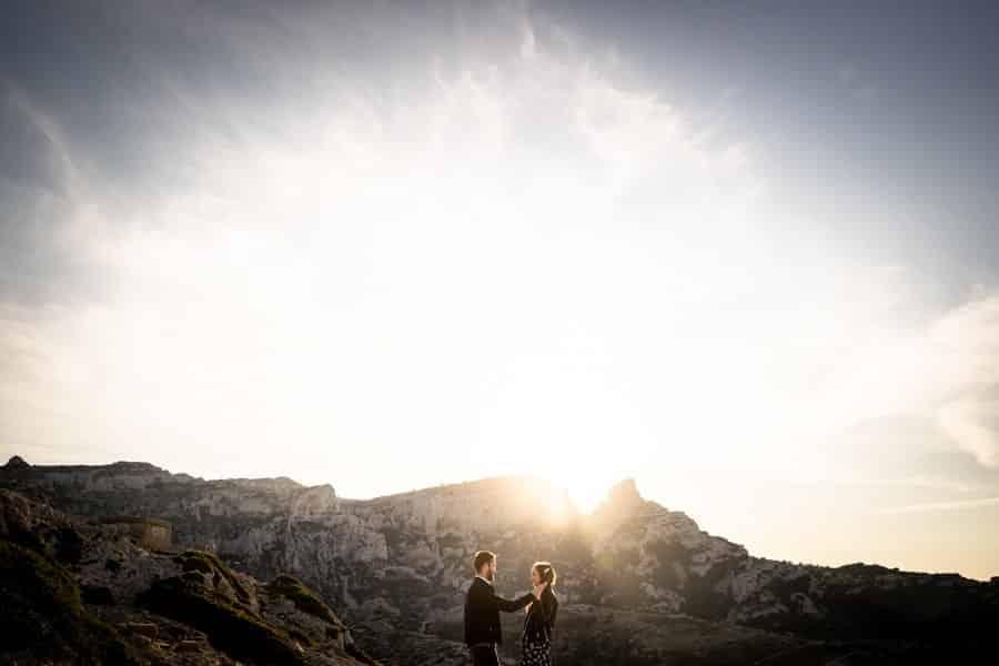 couple au lever de soleil à marseille